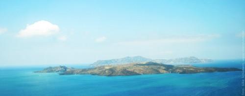 Santorini und seine zwei aktiven Vulkaninseln