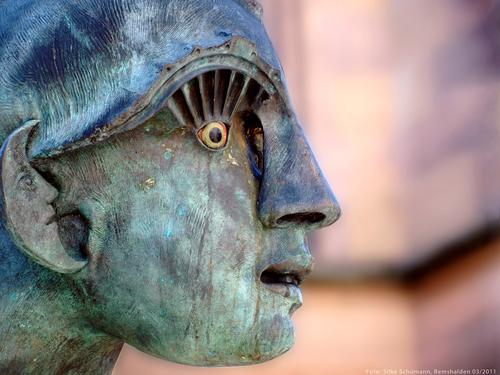 Skulpturdetail (J. Goertz, Schorndorf)